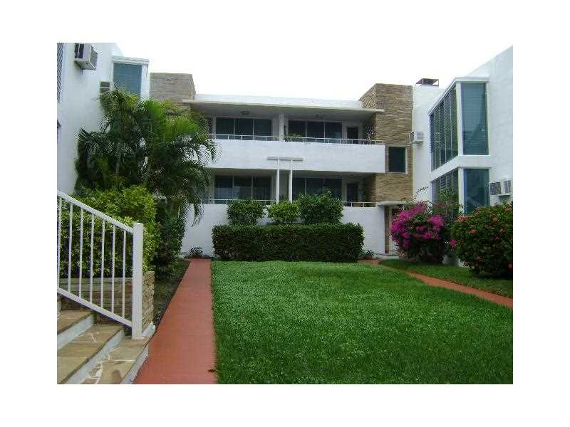 10178 Collins Ave, Miami Beach, FL 33154