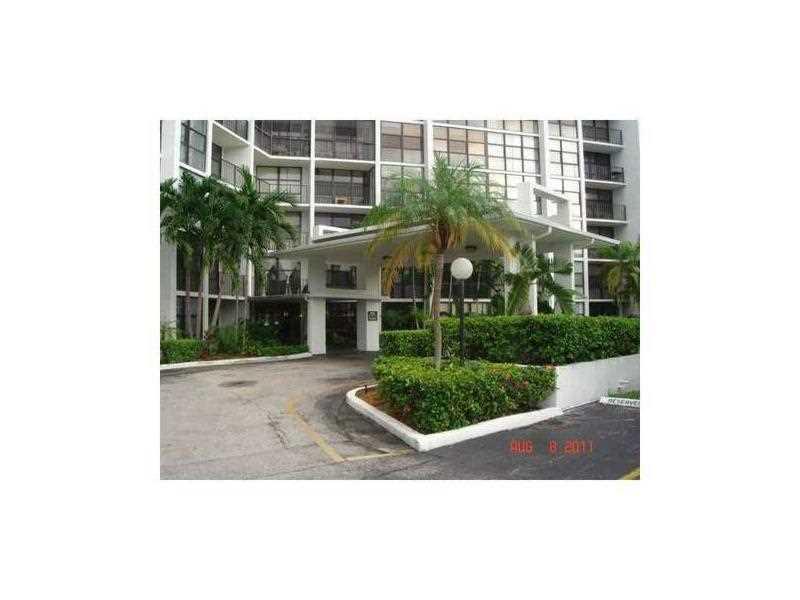 1000 Parkview Dr # 126, Hallandale, FL 33009