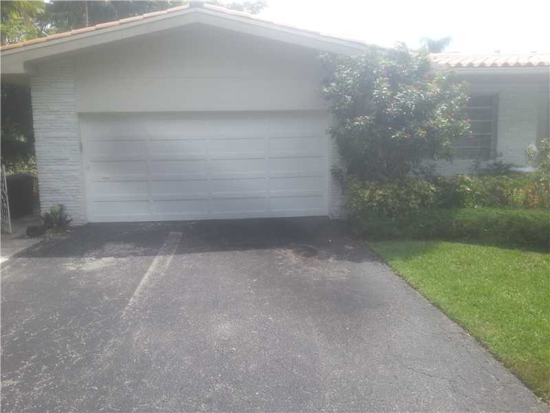 6611 Riviera Dr, Coral Gables, FL 33146