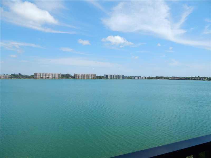 117 Lake Emerald Dr, Oakland Park, FL 33309