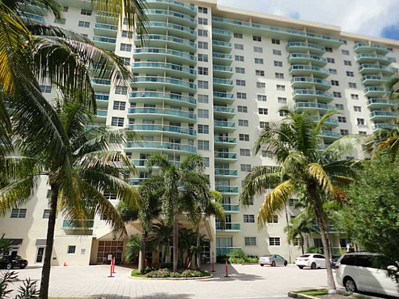 19390 Collins Ave, North Miami Beach, FL 33160