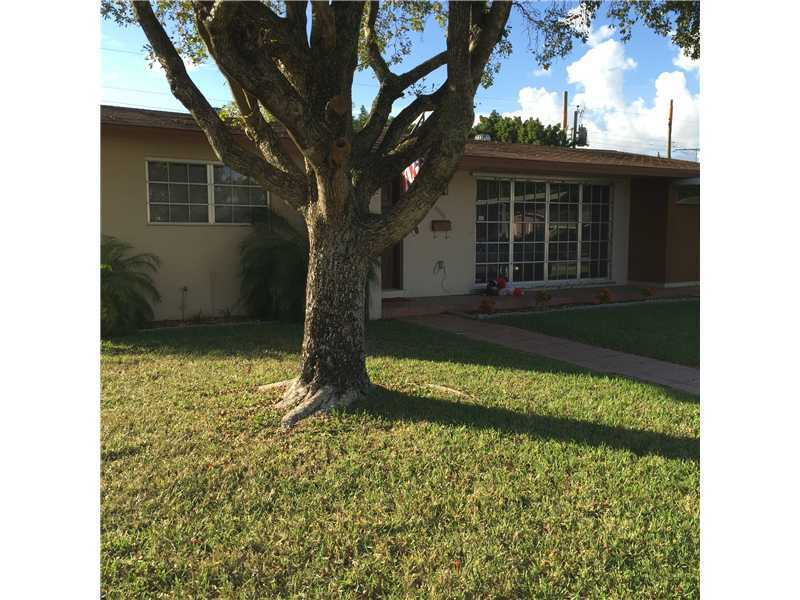 Rental Homes for Rent, ListingId:35676915, location: 4900 Southwest 94 CT Miami 33165