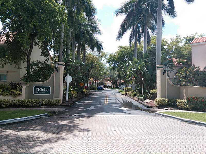Real Estate for Sale, ListingId: 35815370, Hollywood,FL33021