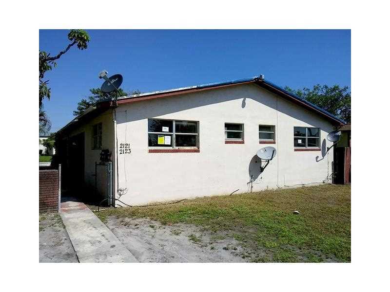 2121 Lee St, Hollywood, FL 33020