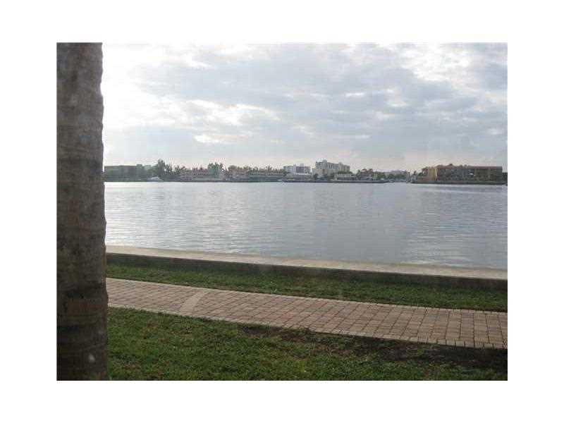 17100 N BAY RD, Sunny Isles Beach, Florida