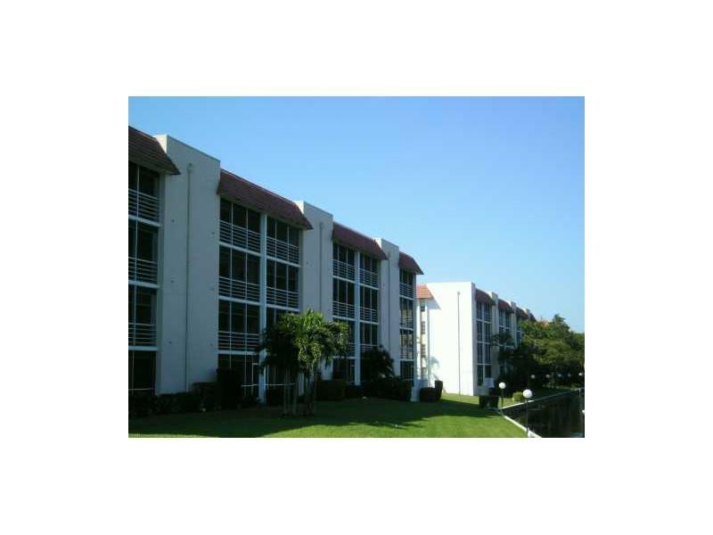 3581 Inverrary Dr # 202, Fort Lauderdale, FL 33319