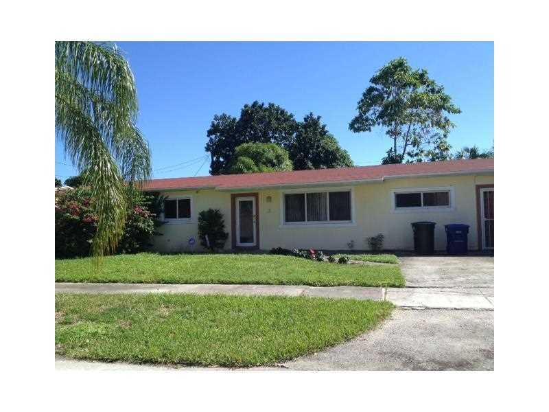 2 East Dr, North Miami Beach, FL 33162