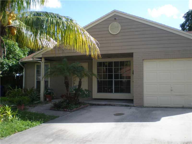 8600 Sw 14th St, Pembroke Pines, FL 33025