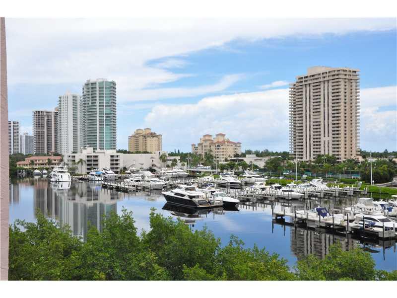 Rental Homes for Rent, ListingId:36175694, location: 19801 E COUNTRY CLUB DR Aventura 33180
