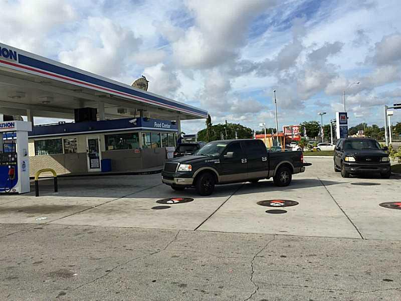1698 Nw 79th St, Miami, FL 33147