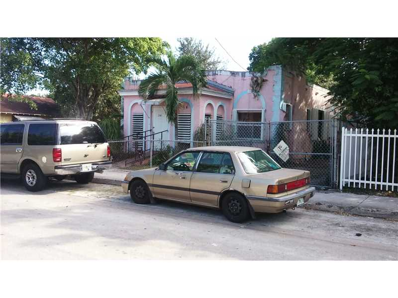 244 Nw 33rd St, Miami, FL 33127
