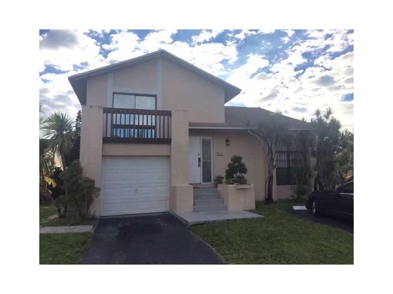 Rental Homes for Rent, ListingId:36262192, location: 914 Northwest 106 Miami 33172