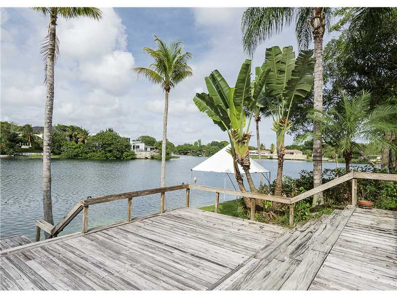 19240 Ne 20th Ct, North Miami Beach, FL 33179