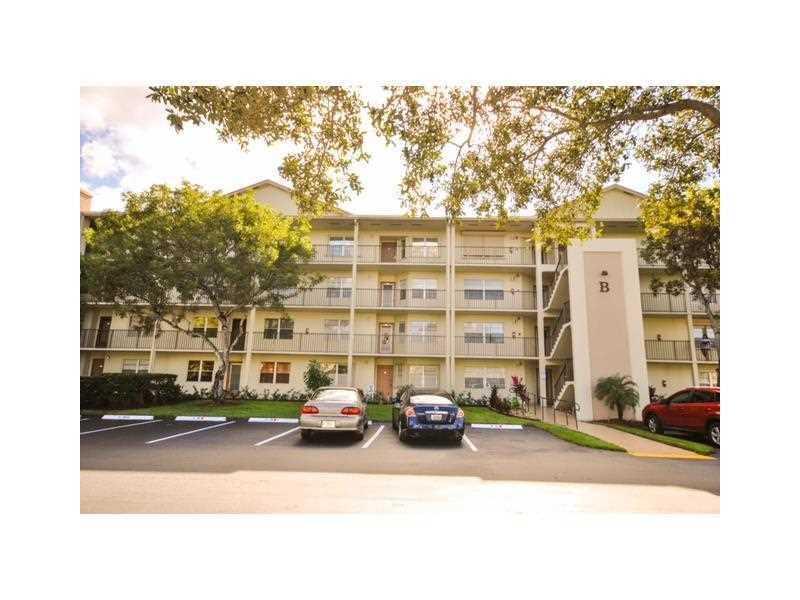 12900 SW 7th Ct, Pembroke Pines, FL 33027