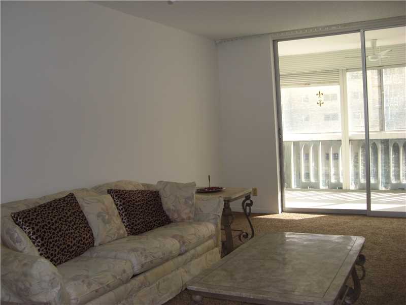 Rental Homes for Rent, ListingId:36395665, location: 1001 Northeast 14 AV Hallandale 33009