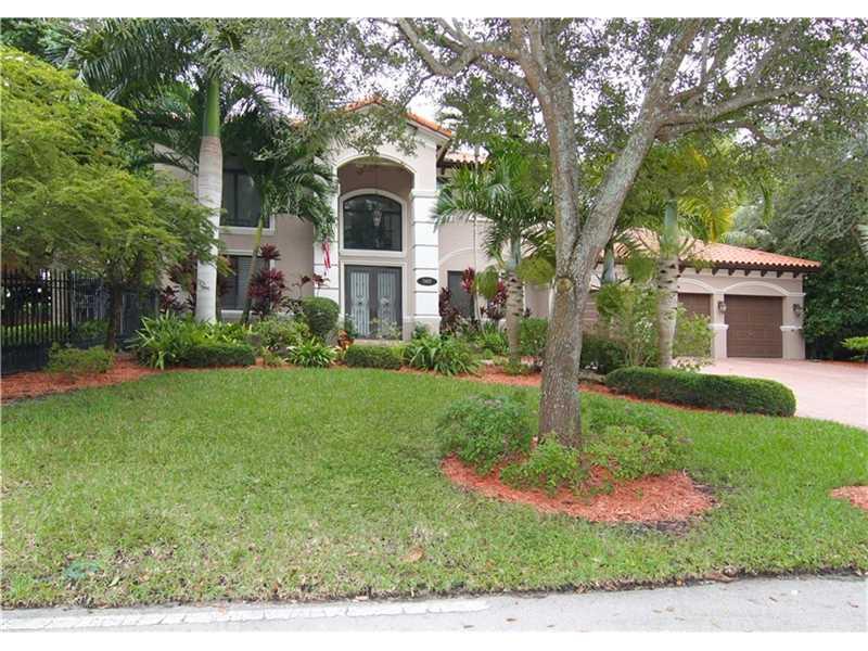 5601 SW 68th Ct, South Miami, FL 33143