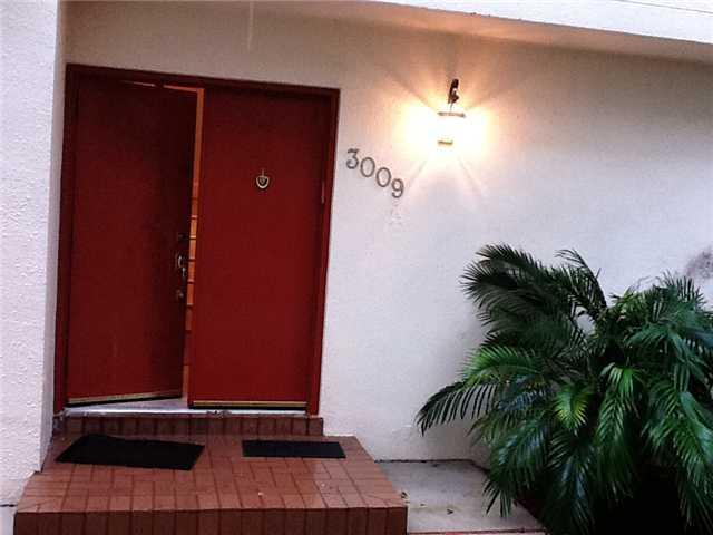 3009 NE 183 Ln # 9, North Miami Beach, FL 33160