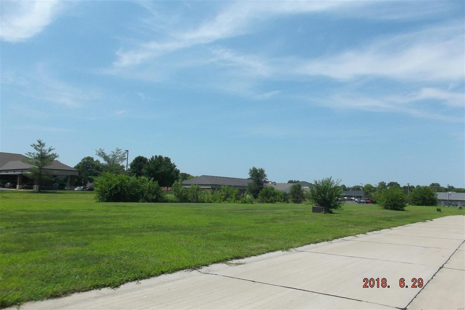 primary photo for 3532 Cardinal Crossing Boulevard, Granite City, IL 62040, US