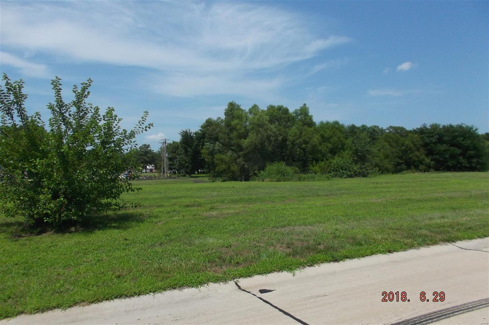 primary photo for 3501 Cardinal Crossing Boulevard, Granite City, IL 62040, US