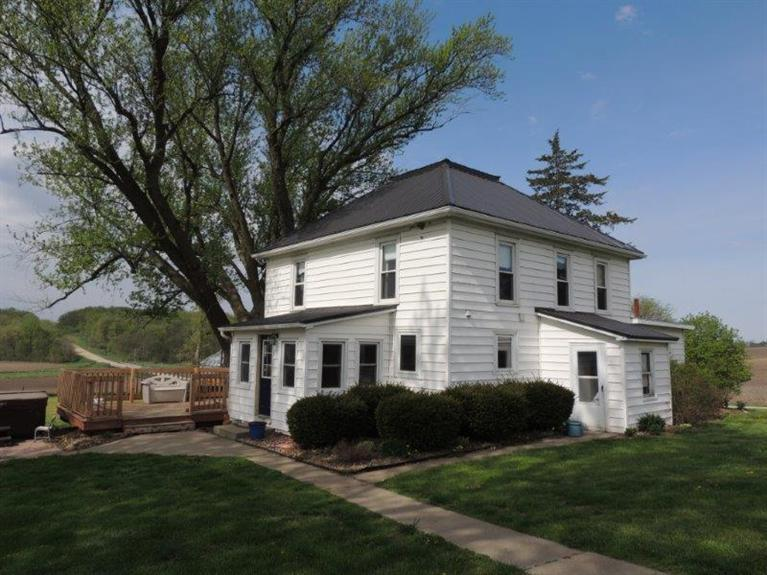 2534 Starry Grove Rd, Marshalltown, IA 50158