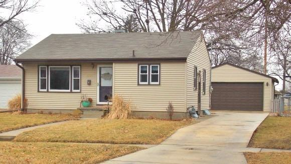 Photo of 1304 East Nevada Street  Marshalltown  IA