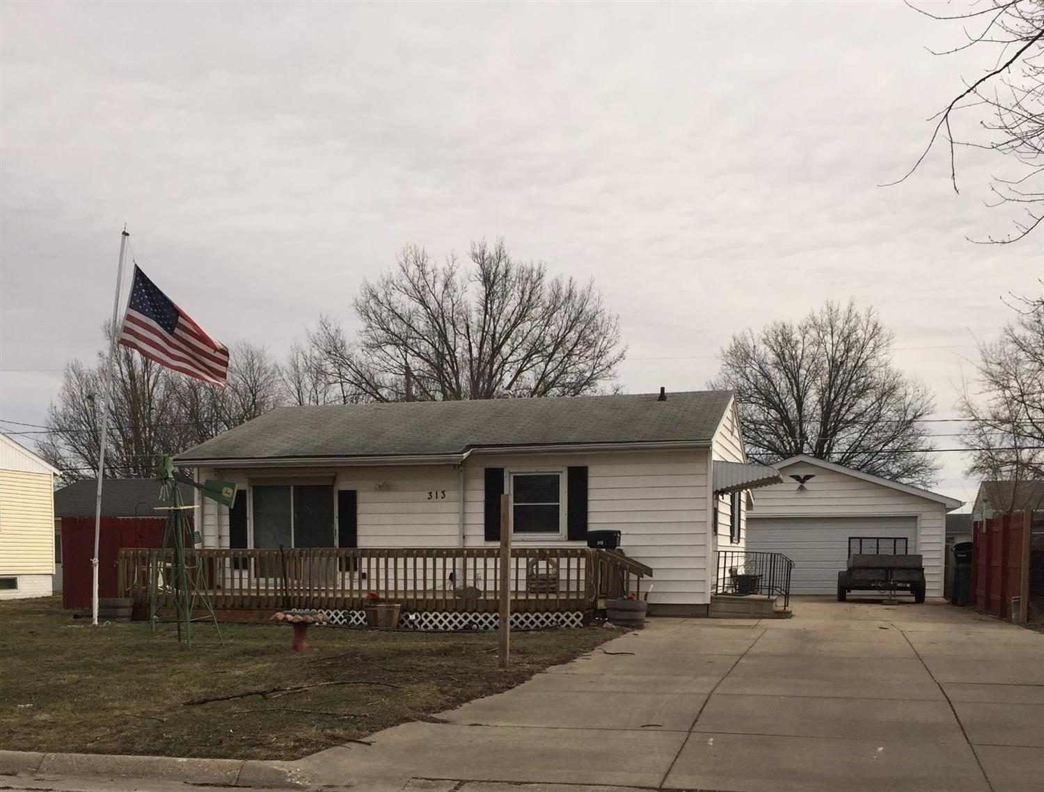 Photo of 313 Sharon Avenue  Marshalltown  IA