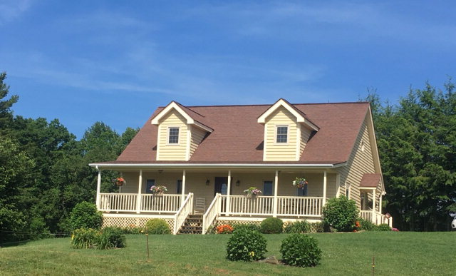 121 Shady Oaks Ln, Newland, NC 28657