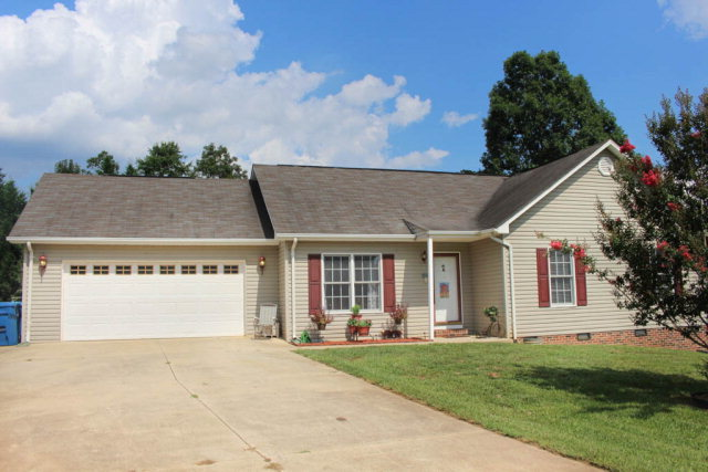 2322 7th Ave NW, Hickory, NC 28601
