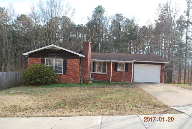 Photo of 140 Perry Street  Marion  NC