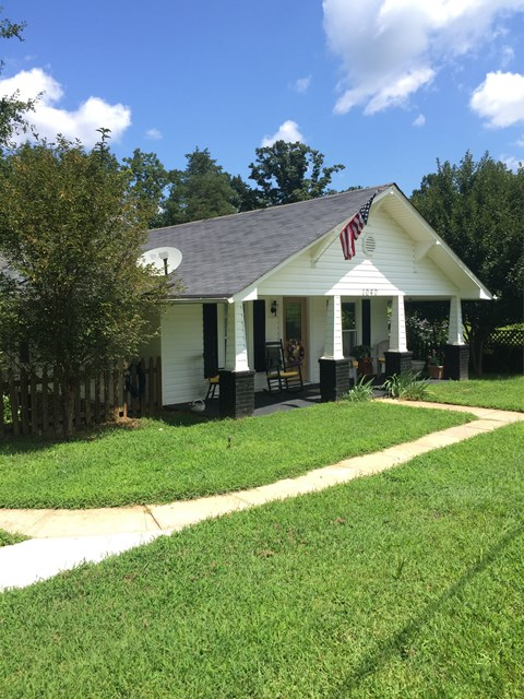 Photo of 1040 Orchard St SW  Valdese  NC