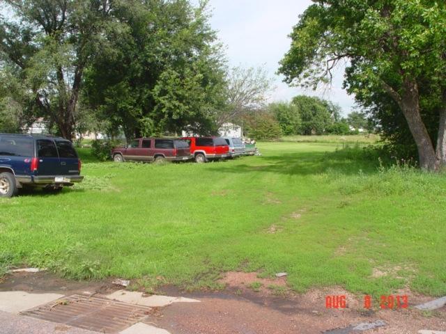 310 Elm Ave SE, Wagner, SD 57380