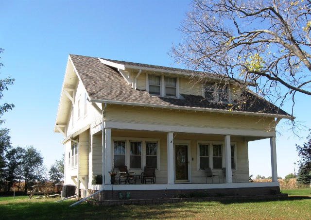 601 S King St, Dimock, SD 57331