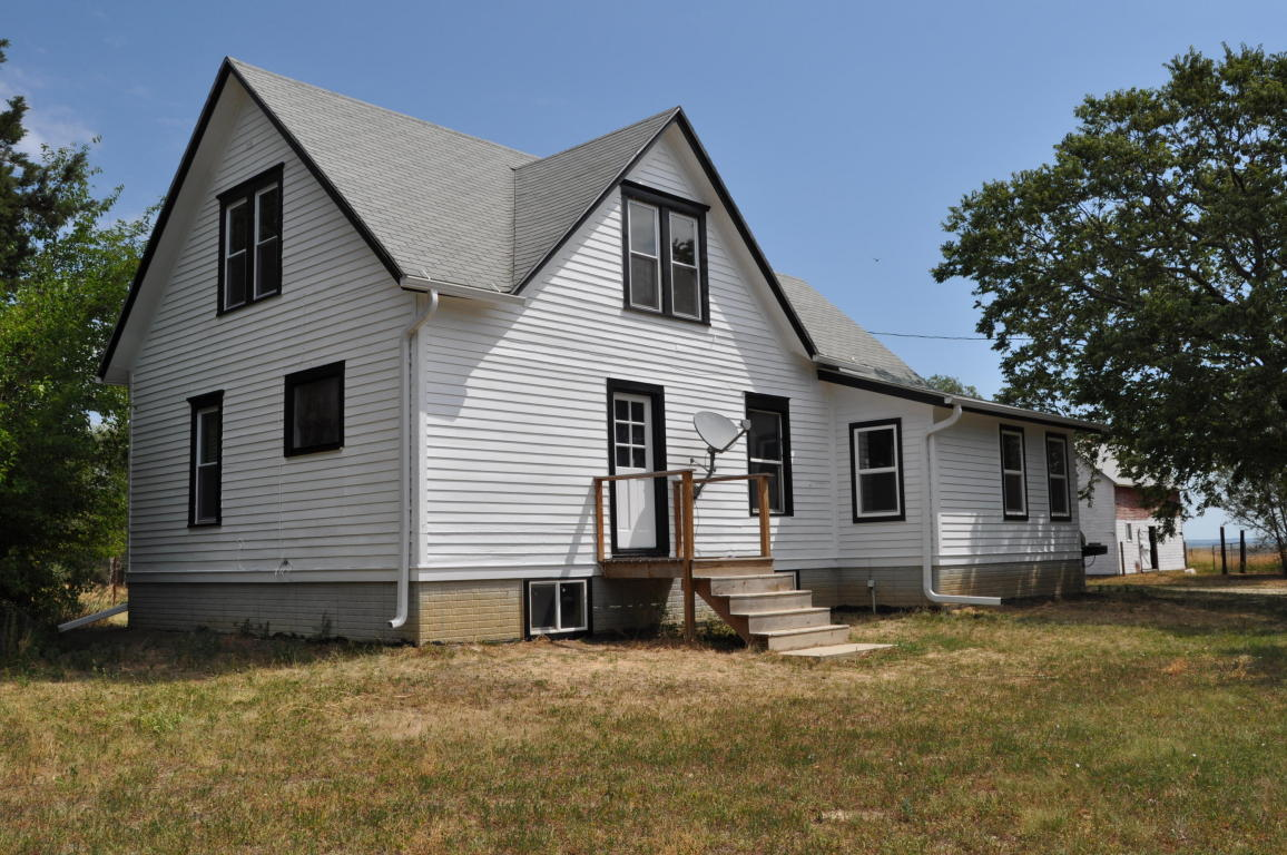 39308 295th St, Wagner, SD 57380