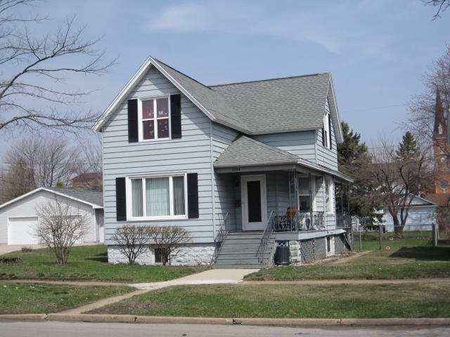 1004 8th Ave, Menominee, MI 49858