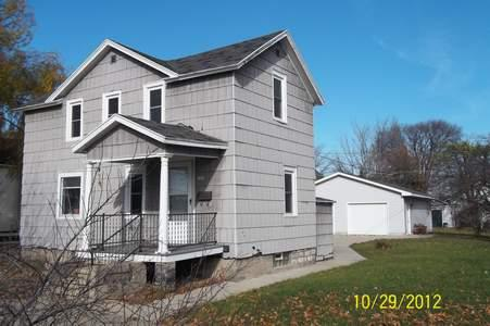 1008 8th Ave, Menominee, MI 49858