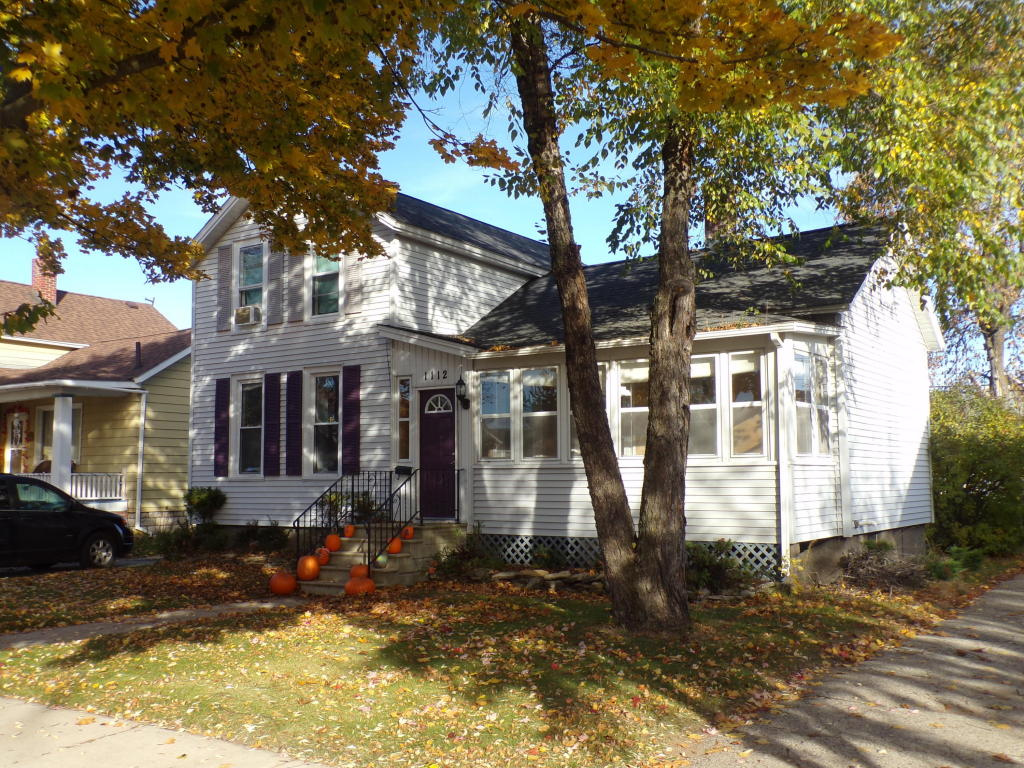 Photo of 1112 OAKES Street  Marinette  WI