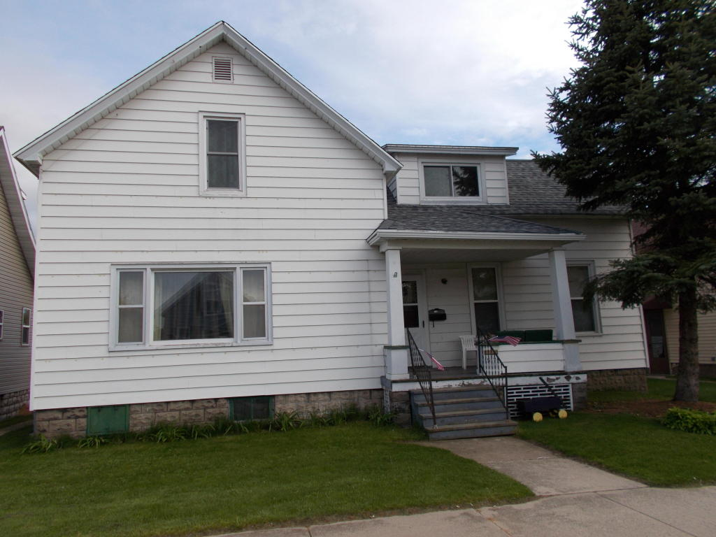 1517 Logan Avenue Marinette, WI 54143