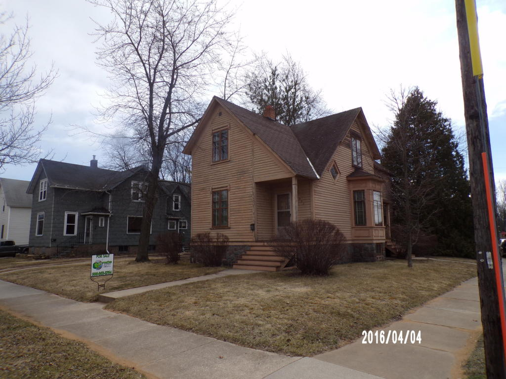 Photo of 437 Carney Boulevard  Marinette  WI