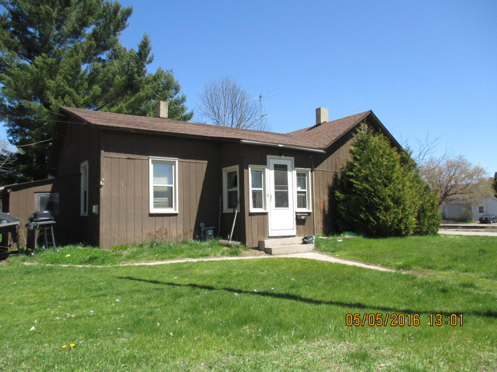 Photo of 1065 Spruce Street  Marinette  WI