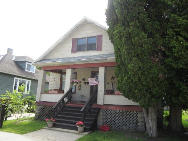 Photo of 815 6th Street  Menominee  MI