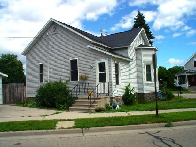 Photo of 1017 COOK Street  Marinette  WI