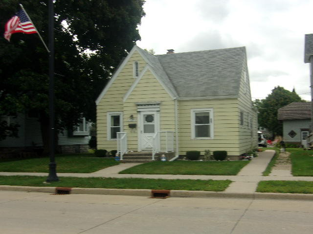 Photo of 2739 Hall Avenue  Marinette  WI