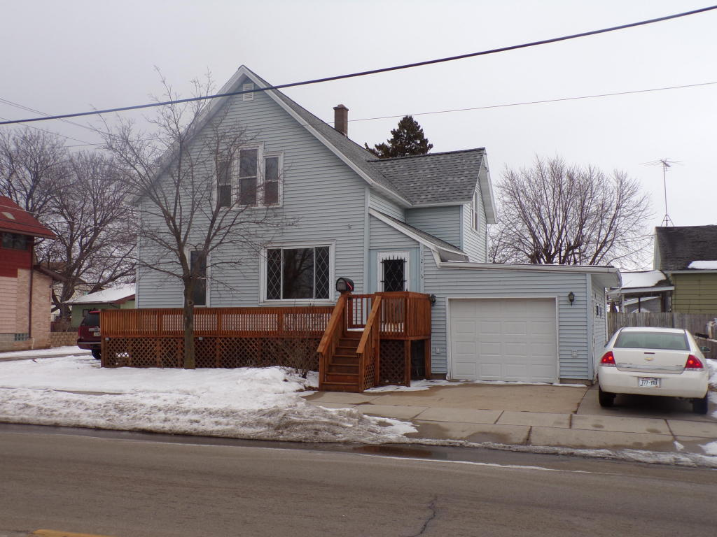 Photo of 1216 SHORE Drive  Marinette  WI