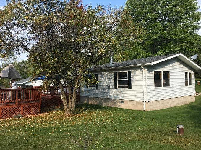W5738 County Rd R Niagara, WI 54151