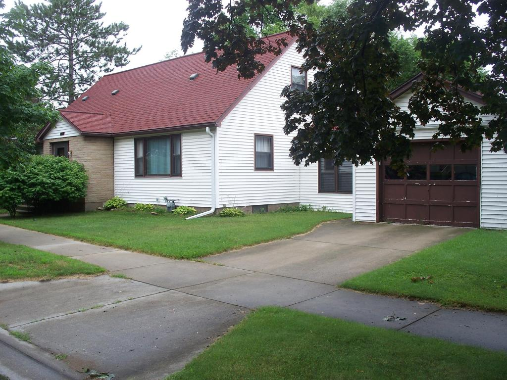 Photo of 1422 10th Street  Marinette  WI