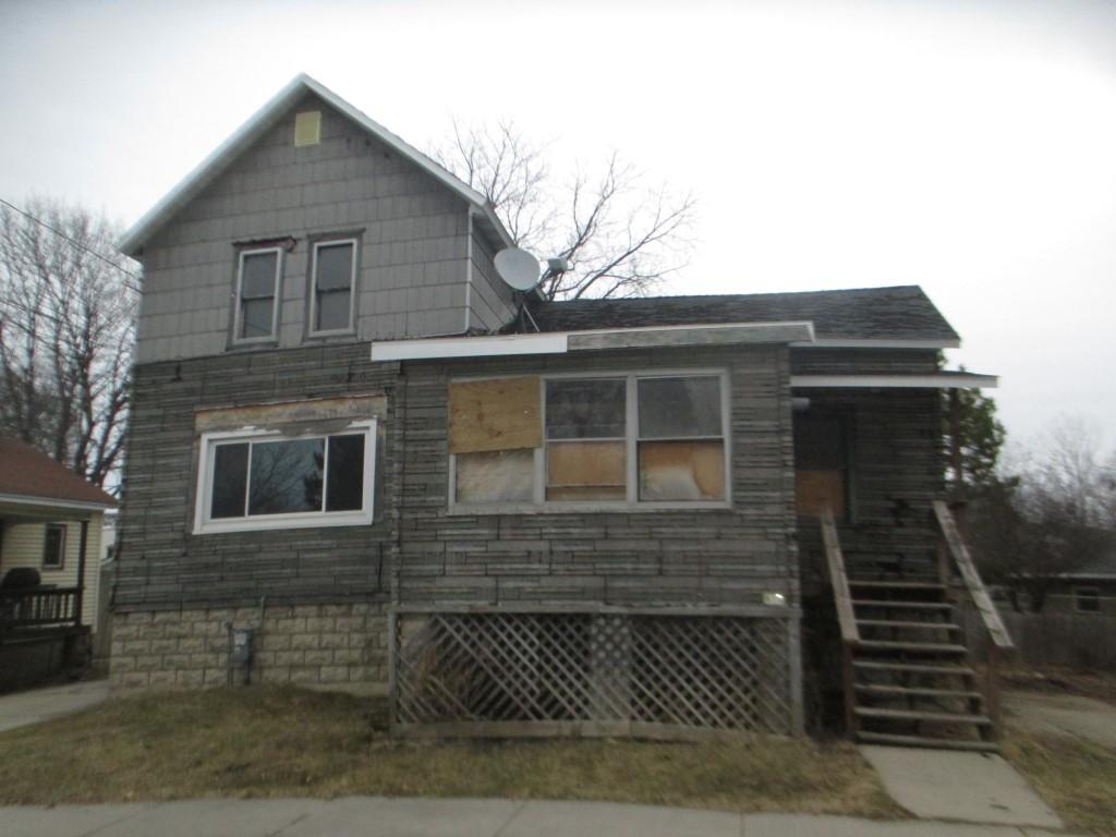 Photo of 810 4th Street  Menominee  MI