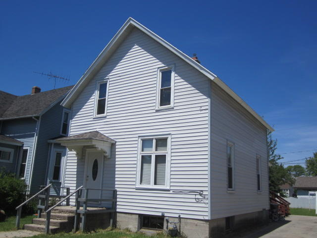 1860 Liberty Street Marinette, WI 54143