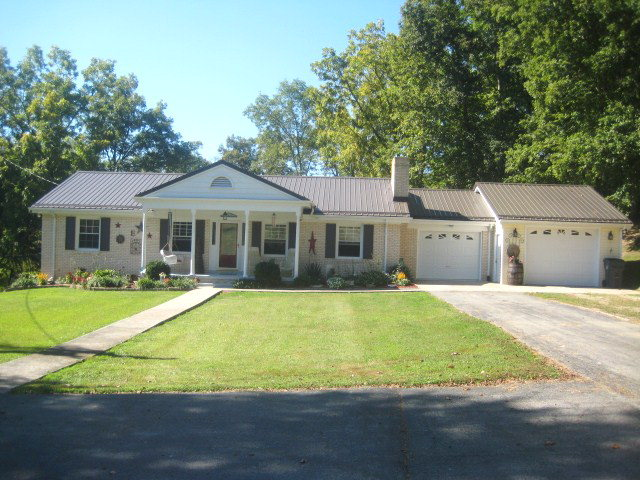 800 Evelyn Rd, Beattyville, KY 41311