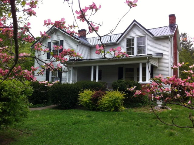 1000 Winchester Rd, Irvine, KY 40336