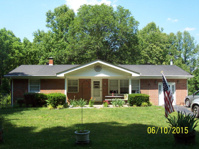 1006 Short Hollow Rd, Beattyville, KY 41311